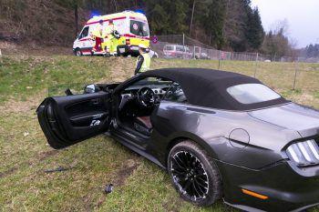 Am Pkw entstand erheblicher Sachschaden. Der Fahrer blieb unverletzt.Foto: Dietmar Mathis