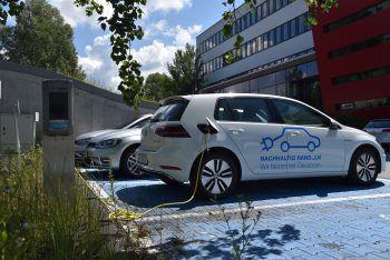 """<p class=""""caption"""">Haberkorn engagiert sich im Mobilitäts-bereich und setzt auf Elektro-Autos.</p>"""