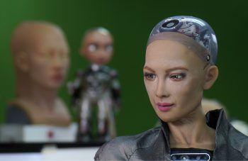 """<p>Hong Kong. Futuristisch: Dieses Bild zeigt die """"Roboter Künstlerin"""" Sophia. Ein Bild der Robo-Dame wurde kürzlich um 688.888 US-Dollar verkauft.</p>"""