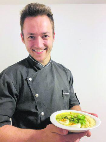 """<p class=""""caption"""">Mister Vorarlberg und Koch-Fan Patrik Walder hat sich für die WANN &WO-Leser eine leckere Oster-Curry-Bowl einfallen lassen. Das Rezeptgibt es heute auf seinem Insta-Account @cooking_ninja_.</p>"""