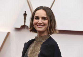 """Natalie PortmanDie """"Star Wars""""-Darstellerin hat in ihrer Kindheit bis zum zwölften Lebensjahr Ballett getanzt. Für den Psychothriller """"Black Swan"""" kehrte sie nach 15 Jahren zurück aufs Parkett. Für die Rolle wurde sie mit ihrem zweiten Golden Globe ausgezeichnet und erhielt ihren ersten Oscar."""