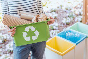 """<p class=""""title"""">               Richtige Mülltrennung             </p><p>Auch unterwegs ist die Mülltrennung essenziell. Sie gehört zu den wichtigsten Punkten für einen nachhaltigen Alltag. Da viele öffentliche Mülleimer keine Trennung anbieten, solltest du Plastikmüll zu Hause entsorgen, damit er korrekt recycelt werden kann.</p>"""