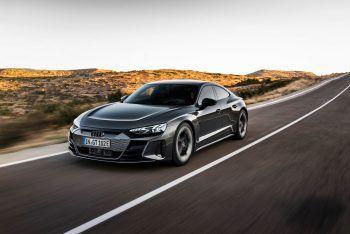 """<p class=""""title"""">               Audi e-tron GT             </p><p>Ein echter Hingucker: Als RS leistet der Audi e-tron GT bis zu 646 PS im Overboost, die Basis bringt es auf bis zu 530 PS und 488 Kilometer Reichweite. Preis: ab 99.800 Euro.</p>"""