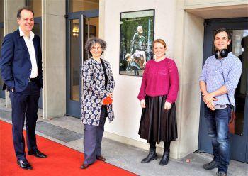 Das Team: Dramaturg Ralph Blase, Regisseurin Theresa Rotemberg, Bühnen- und Kostümbildnerin Sabina Moncys und Marcel Babazadeh (Musik).
