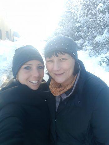 """<p class=""""caption"""">Denise mit Mama Marion: """"Sie ist einfach immer für mich da!""""</p>"""