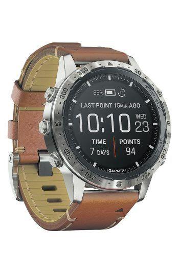 """<p class=""""caption"""">Die """"Marq Adventurer"""" ist eine exklusive Tool-Watch der Marke """"Gamin"""" für alle Outdoor-Pioniere. Mit smarten Funktionen, """"Pulse Ox Sensor"""", topografischen Karten mit Navigationsfunktionen und mehr. Gesehen bei Juwelier Kopf in Götzis, Preis: 1750 Euro.</p>"""