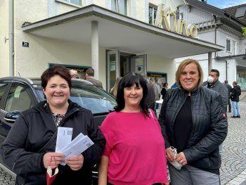 """<p class=""""caption"""">Jaqueline und Melitta Bargetz, Margit Macher.</p>"""
