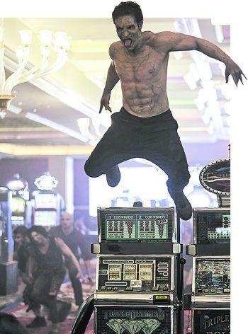 Kommt ein Zombie geflogen ... Foto: Netflix/AP