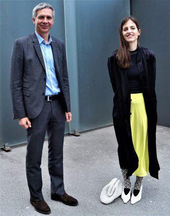 KUB-Direktor Thomas D. Trummer und die ausstellende Künstlerin Pamela Rosenkranz.