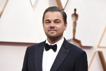 """<p class=""""title"""">               Leonardo DiCaprio             </p><p>Der Schauspieler glaubte lange Zeit fälschlicherweise, dass seine Vorfahren aus Russland stammten. Vergleichsweise spät erfuhr der Oscar-Preisträger schließlich von seiner ukrainischen Abstammung.</p>"""