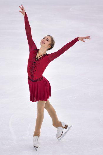 Olga Mikutina ist ein aufblühendes Sternchen am Eiskunstlauf-Himmel. Fotos: handout/Mikutina