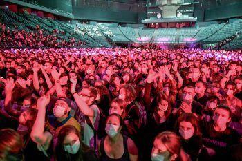 <p>Paris. Getestet: Besucher eines Konzerts des französischen Künstlers DJ Etienne de Crecy.</p>