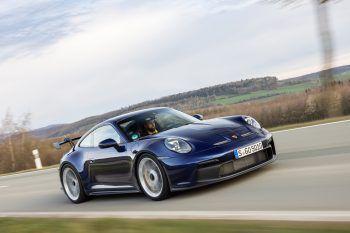 """<p class=""""title"""">               Porsche 911 GT3             </p><p>Der neue Porsche 911 GT3 steht schon an der Startlinie – ein Highlight für alle Porsche-Liebhaber. Mit 510 PS ist er zwar nicht der Stärkste, aber sicher der Sportlichste der aktuellen Serie. Preis: ab 167.518 Euro.</p>"""