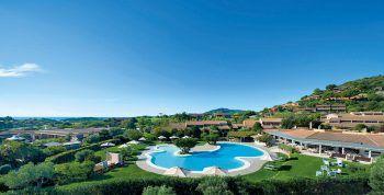 """<p class=""""title"""">               Chia Laguna ****             </p><p>Ein modernes Top-Hotel an einer der schönsten Küsten Sardiniens lässt sich direkt bei den berühmten Traumstränden von Chia finden. Es beinhaltet ein großes Sport- und Unterhaltungsangebot sowie einen Wellnessbereich.</p><p/>"""