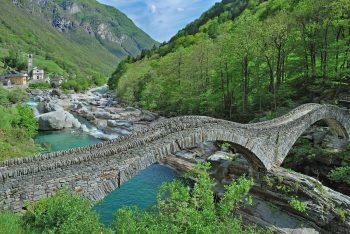 """<p class=""""caption"""">Die malerischen Täler am Lago Maggiore laden zum Träumen ein. Fotos: handout/Weiss Reisen</p>"""