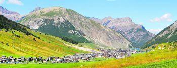 """<p class=""""caption"""">Ein Shopping-Erlebnis der ganz besonderen Art wartet inmitten der italienischen Alpen. Fotos: handout/Weiss Reisen</p>"""