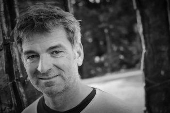 Juror Till Hofmann arbeitet mit Künstlern wieSportfreunde Stiller, Hubert von Goisern oderLaBrassBanda zusammen.