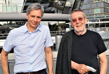 """<p class=""""caption"""">KUB Direktor Thomas D. Trummer und Künstler Gottfried Bechtold sind Fans von James Joyce.</p>"""