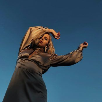"""""""Musiktechnisch sind die 80er mein Lieblingsjahrzehnt"""", verrät Sängerin Cheyenne Alice. Foto: handout/privat"""