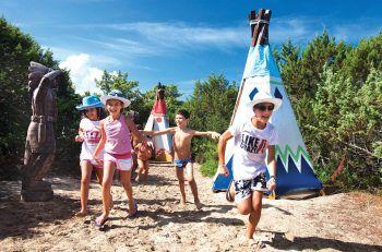 """<p class=""""title"""">               Resort Le Dune ****             </p><p>Das weitläufige Resort liegt am kilometerlangen Sandstrand mit verschiedenen Hotelbereichen, Sportangeboten, vielen Aktivitäten für Kinder und mehreren Restaurants.</p><p/>"""