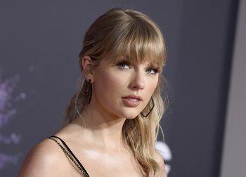 """<p class=""""title"""">               Taylor Swift             </p><p class=""""title""""/><p class=""""title"""">Sängerin Taylor Swift hat sich bei der Wahl der Katzennamen von Serien und Filmen inspirieren lassen: Meredith Grey (""""Grey's Anatomy""""), Olivia Benson (""""Law & Order: SVU"""") und Benjamin Button (""""Der seltsame Fall des Benjamin Button"""").</p>"""