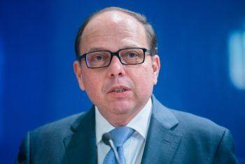 """""""Wir laufen Gefahr, die Fehler desvergangenen Sommers exakt zuwiederholen"""", warnt Ärztekammer-Präsident Thomas Szekeres.Symbolfto: APA"""