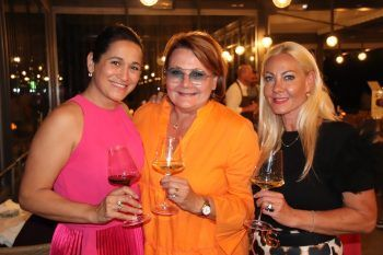 "<p class=""caption"">Adela Folie, Gabi Narat und Daniela Yolsal.</p>"