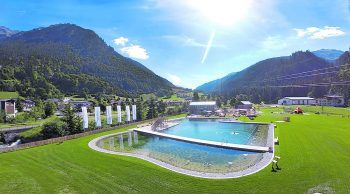 """<p class=""""title"""">               """"AlmWasserPark"""" in Klösterle             </p><p>Ein Geheimtipp für alle Erholungssuchenden: Der """"AlmWasserPark"""" im Klostertal. Der Naturbadesee wird mit Wasser der Alfenz gefüllt, der im Arlbergmassiv entsprungt. Natürlicher baden geht kaum, oder?</p>"""