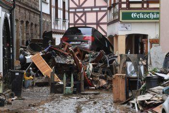 Bad Neuenahr-Ahrweiler. Zerstörung: In der Kleinstadt (Rheinland-Pfalz) sieht man das ganze Ausmaß des Hochwassers.