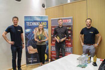 """<p class=""""caption"""">Bei Getzner Textil wurden Anna Kondeja-Kobialka und Mathias Lisch ausgezeichnet.</p>"""