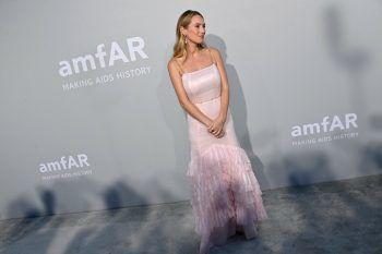 """<p>Cannes. Elegant: Schauspielerin Dylan Penn, Tochter von Sean Penn, nimmt im Rahmen der Filmfestspiele an der """"Cinema Against Aids Gala"""" teil.</p>"""