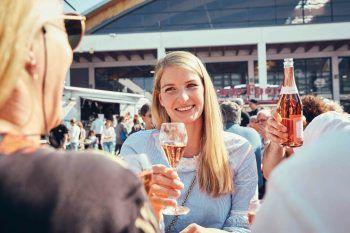 """<p class=""""caption"""">Das Sommererlebnis in vier Hallen: Auf der IBO kann man bei 260 Ausstellern volle Lebensfreude und Spaß erleben – ein Besuch lohnt sich also!</p>"""