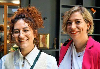 """<p class=""""caption"""">Die Bloggerinnen Magdalena Schmalzl und Catrin Mungenast.</p>"""