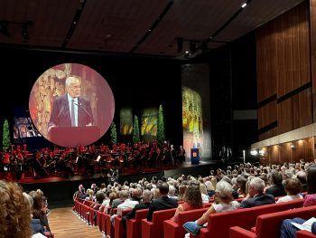 """<p class=""""caption"""">Die Festrede von Bundespräsident Alexander van der Bellen im großen Saal.</p>"""