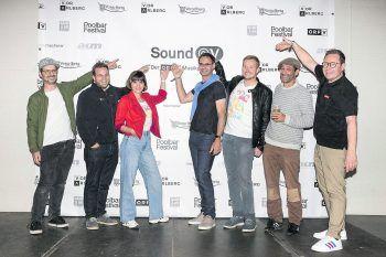 """<p class=""""caption"""">Die """"Sound@V""""-Veranstalter und -Sponsoren: Harald Küng (WANN & WO), Christian Lampert (Wisto), ORF-Moderatorin Inés Mäser, Landeshauptmann Markus Wallner, ORF-Moderator Dominic Dapré, Herwig Bauer (Poolbar) und ORF-Landesdirektor Markus Klement (v.l.n.r.).</p>"""