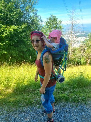"""Dorina: """"Meine Tochter Valeria und ich auf dem Weg zum Pfänder. Sie spornt mich an, schnell zu laufen. So genießen wir den Sommer."""" Fotos: handout/privat"""
