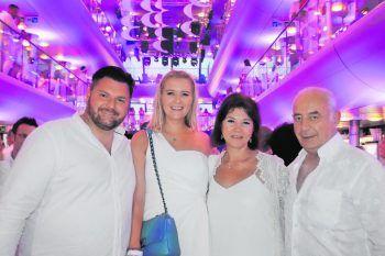 "<p class=""caption"">Erich, Kristina Dolischka mit Galina, Valery.</p>"