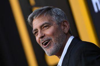 """<p class=""""title"""">               George Clooney             </p><p>Der Oscar-Preisträger und Regisseur arbeitete vor seinem Durchbruch in der Traumfabrik als Verkäufer für Damenschuhe. zudem klingelte der Schauspieler als Versicherungsvertreter an der Haustüre.</p>"""