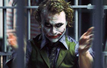 """<p class=""""title"""">               Heath Ledger             </p><p>Der 2008 verstorbene Schauspieler, der sich mit seiner Darstellung des """"Jokers"""" unsterblich machte, war ein riesiger Skateboardfan und nutzte die Drehpausen zum Skaten.</p>"""