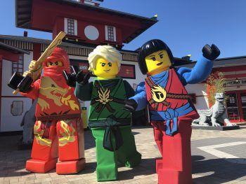 """<p class=""""caption"""">Im Juli und August finden die LEGO® NINJAGO® Jubiläumswochen statt – das sollte man nicht verpassen! Fotos: handout/LEGOLAND DEUTSCHLAND RESORT</p>"""