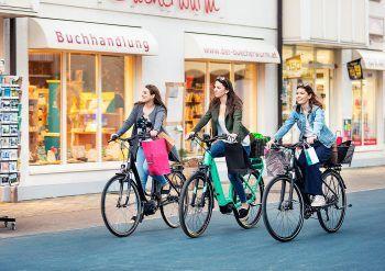 """<p class=""""caption"""">In Lustenau wird der gemeinsame Einkaufsbummel zu einem tollen Erlebnis.</p>"""