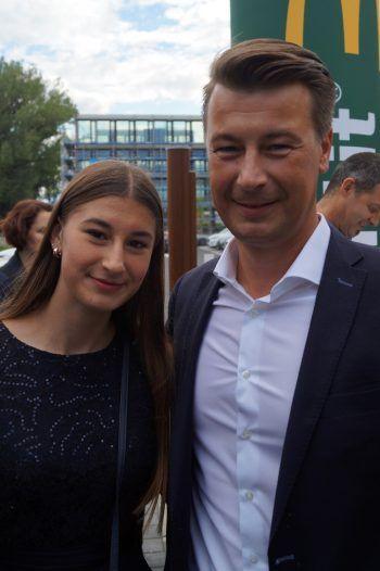 """<p class=""""caption"""">Jürgen und Tochter Valentina Winder.</p>"""