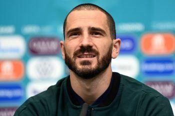 """<p>Leonardo Bonucci, Abwehspieler Italien: """"Wir sind bereit für den heutigen Kampf gegen England. Wir können das Spiel kaum erwarten, alles andere ist Gerede. Heute Abend zu gewinnen, wäre wichtig für den italienischen Fußball, für jeden Spieler, für den Verband – es würde schwierige Jahre ausradieren.""""</p>"""