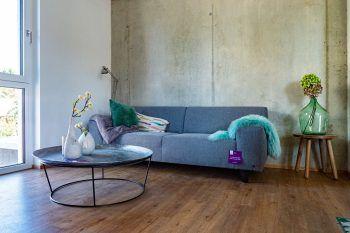 """<p class=""""caption"""">Smart, stylisch und leistbar: Die RIVA-Wohnungen sind hell und freundlich gestaltet – da fühlt man sich richtig wohl!</p>"""