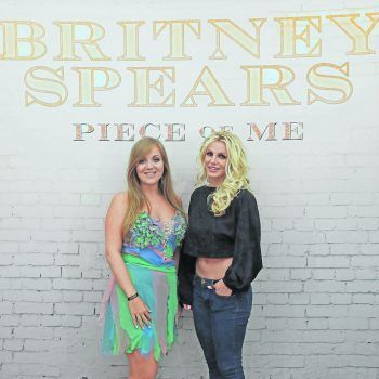"""<p class=""""caption"""">               Zweimal hat Stefanie ihr Idol Britney schon getroffen: """"Es war ein Traum, der wahr wurde.""""             </p>"""