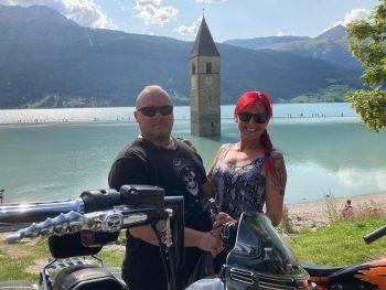 """<p class=""""caption"""">Anja: """"Seit zehn Jahren ist Karl Heinz mein Ehemann, mein bester Freund, Motivator, Abenteurer und mein Lieblingsmensch.""""</p>"""