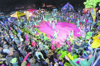 Bunt, wild, ausgeflippt: So präsentiert die Freakwave Parade den Neuen Zirkus. Foto: M. Rhomberg