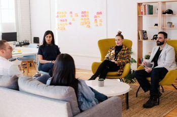 """Das Masterstudium """"Digitale Kommunikation und Marketing"""" ermöglicht einen Karrieresprung ins digitale Marketing."""