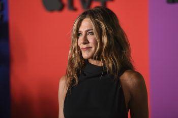 Jennifer AnistonDie US-Schauspielerin hat schon zahlreiche Diäten ausprobiert, schwört aber vor allem auf die Sonoma-Diät. Hier kommen nur frische Lebensmittel – bevorzugt mageres Fleisch, Fisch, Gemüse und Hülsenfrüchte – auf kleinen Tellern auf den Tisch.