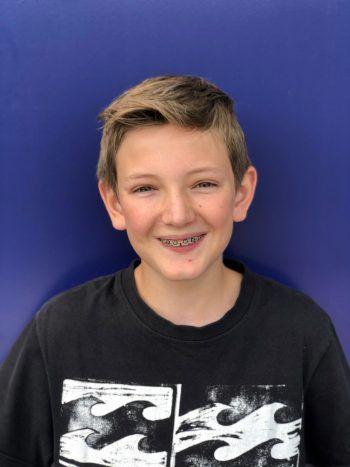 """Louis, 15, Höchst: """"Mir gefällt am Code Base Camp am besten, dass wir eine super Gemeinschaft haben und ein eigenes Spiel programmieren können. Ich mache mit zwei anderen Teilnehmern ein Jump-and-Run-Spiel. Das hat richtig viel Spaß gemacht!"""""""